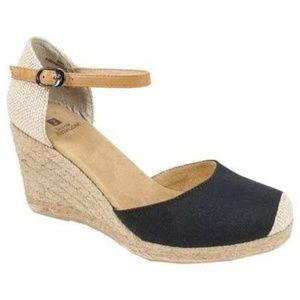 New White Mountain Black Mamba Wedge Sandals